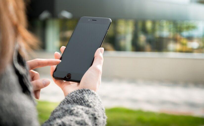 8 situações em que enviar mensagens de texto é melhor do que ligar